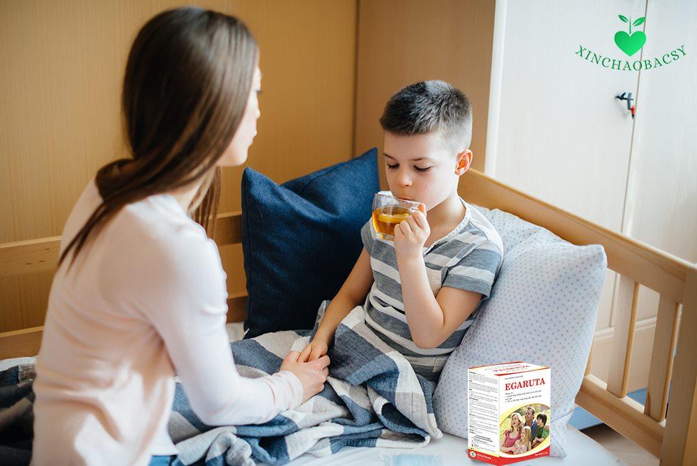 Cốm Egaruta có an toàn với trẻ sốt cao co giật không?